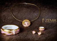 Magyar porcelán ékszerekért rajonganak a világban