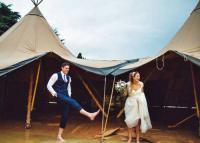 3 pár, akik nem engedték, hogy az időjárás tönkretegye az esküvőjüket