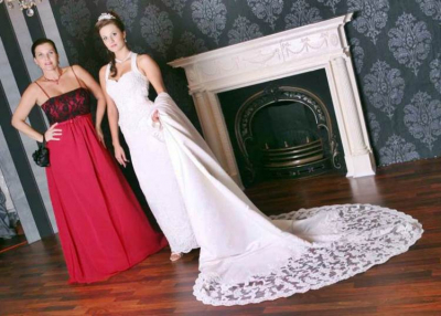 Esküvő Világ - ADEO 2000 ruhaszalon eb62dc42c5