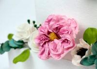 Virágot cukorból?! – A SugarHanga alkotásait látva többé nem akarsz majd élővirágot az esküvői tortádra!
