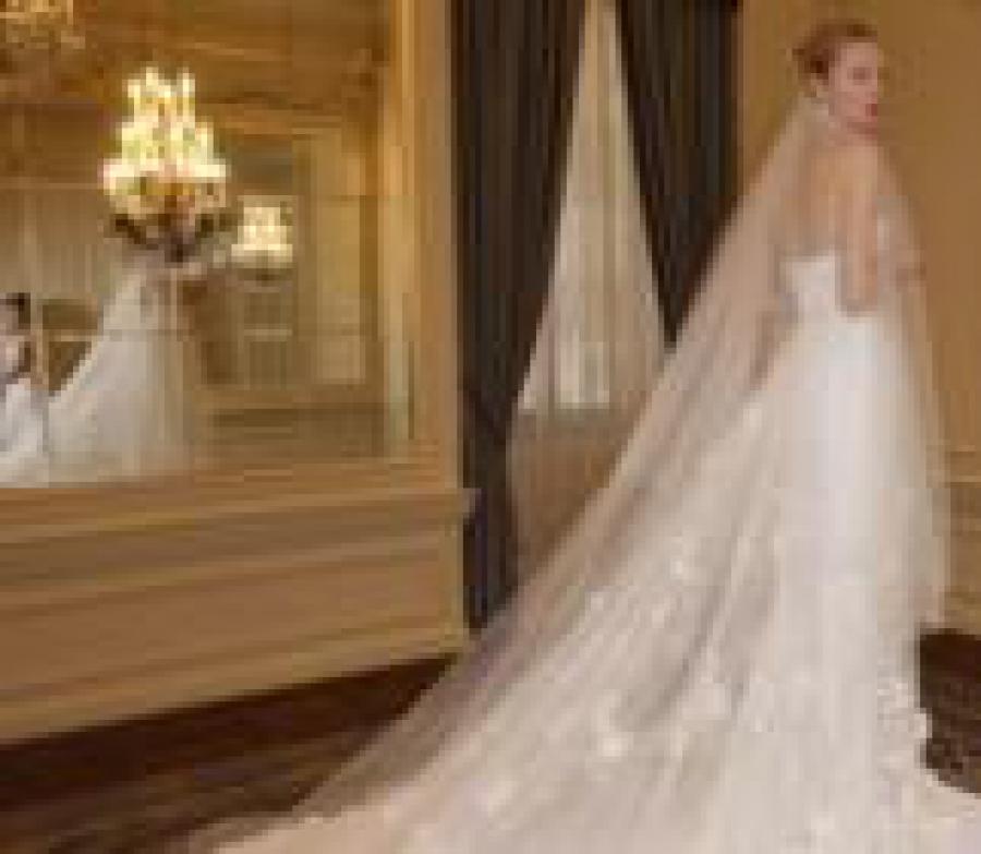 Esküvő Világ - Így változtak menyasszonyi ruha trendek az elmúlt 100 ... 2349d74b8e