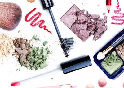 A járvány hetek alatt forgatta fel a kozmetikai bérgyártást
