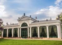 Egy helyszín, számtalan lehetőség – A mesebeli Pálma Rendezvényház a festői Tatán várja a szerelmeseket